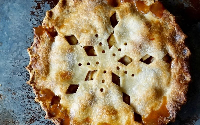 Summer Of Pie: Quilted Star Double Crust Apple Pie By Rebecca Gordon Buttermilk Lipstick TV Cooking Personality Pastry Chef Writer Food Stylist Editor-in-Chief Southern Hostess Tailgating Expert Sports Entertaining Tide & Tigers Today Tailgate Host WBRC Fox 6 Cooking Lessons How To Make A Double Crust Apple Pie With Americana Cut Out Design