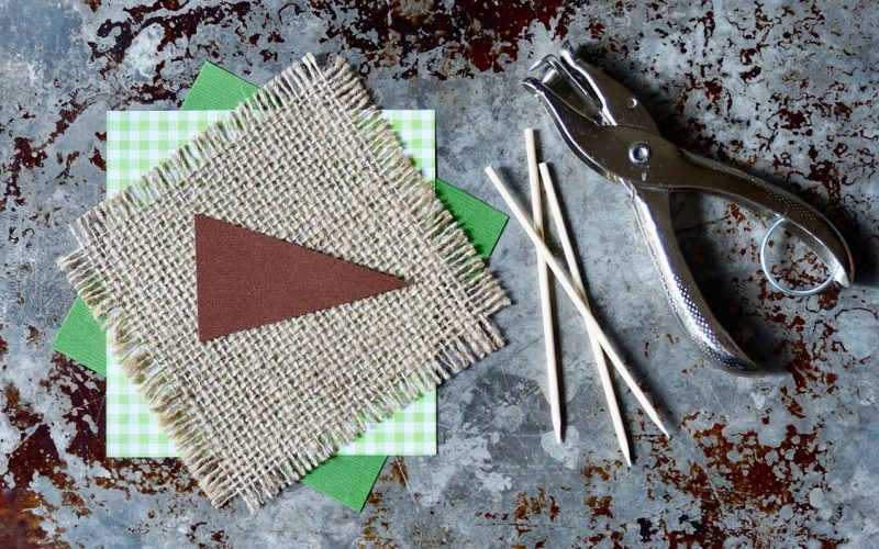 How To Make Football Pennants By Rebecca Gordon Buttermilk Lipstick TV Cooking Personality Birmingham Alabama Tailgating Expert Sports Entertaining Tide & Tigers Today Tailgate Host WBRC Fox 6 Cooking Lessons Editor-in-Chief Southern Lifestyle & Tailgating Brand