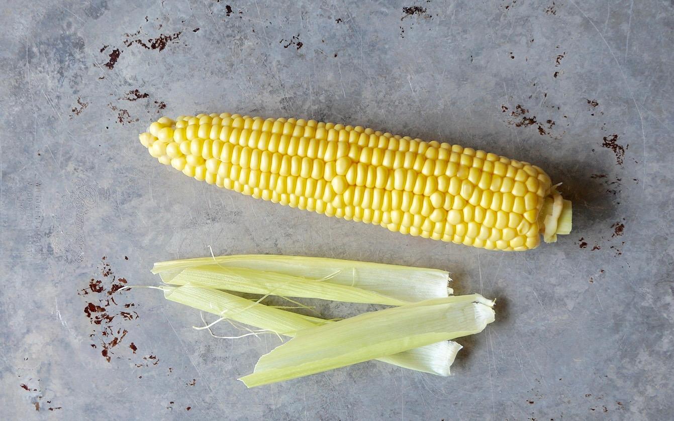 How To Shuck Corn On The Cob By Rebecca Gordon Editor-In-Chief Buttermilk Lipstick Culinary & Entertaining Techniques-RebeccaGordon-Pastry-Chef-Birmingham-Alabama