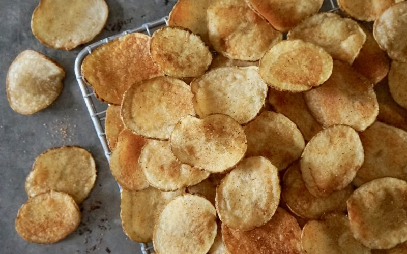 southern-tailgating-recipes-cajun-potato-chips-buttermilk-lipstick-game-day-entertaining-by-rebecca-gordon-gameday-entertaining-ideas-football-snacks-dip-appetizer-mini-foods-sandwiches-tailgate-party-buttermilk-lipstick-tailgating