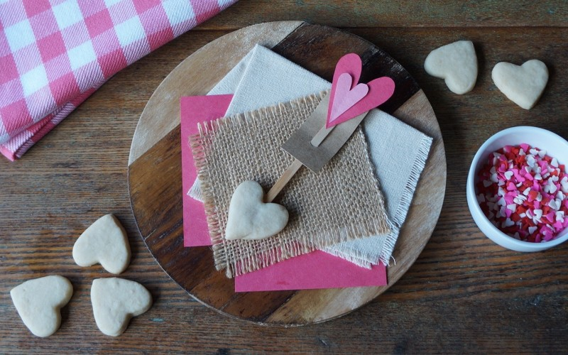 Heart cookies Arrow Valentines kids cooking baking holiday hearts southern recipes rebeccagordon buttermilklipstick hostess tailgating