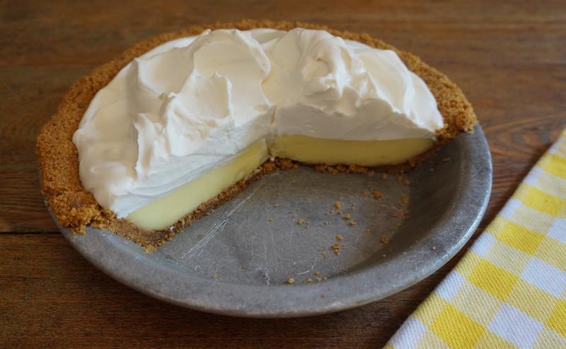 Easy Lemon Icebox Pie How To Make Lemon Curls Rebecca Gordon Buttermilk Lipstick Southern Hostess Recipes Tailgating Party