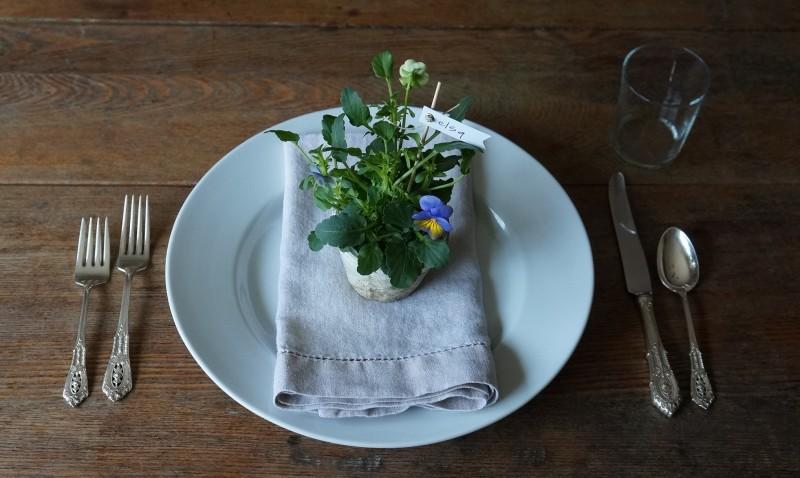 Spring Flower Entertaining Ideas Budget Friendly Rebecca Gordon Southern Hostess Recipes Parties Tailgating Buttermilk Lipstick
