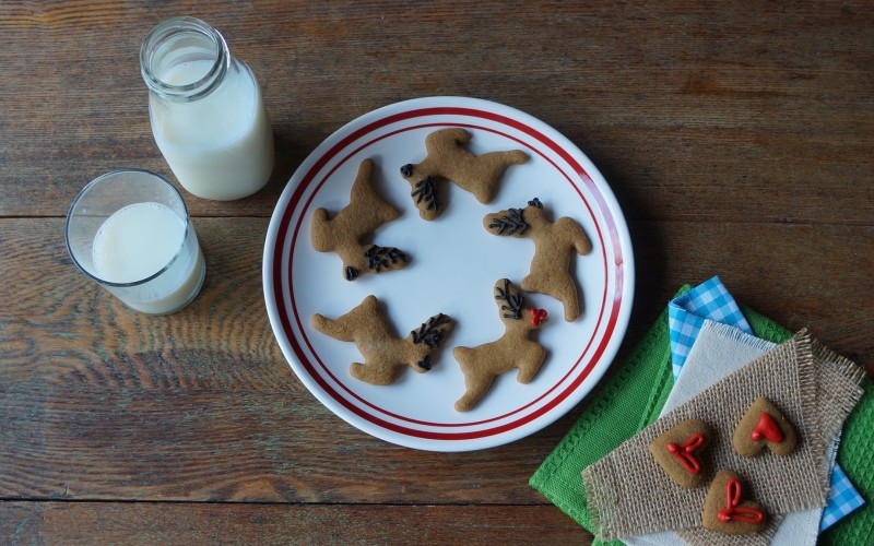 Christmas Cookies For Santa Cookie Plate Kids baking Holiday cookie Ideas RebeccaGordon ButtermilkLipstick Entertaining Southern Hostess
