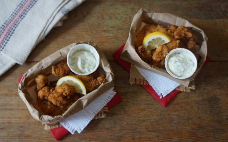 southern summer fish fry lake house entertaining party ideas casual tailgating alabama football tailgate wedding party rebeccagordon buttermilk lipstick southern hostess