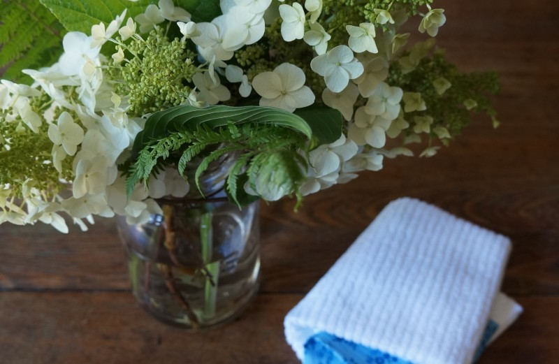 Easy Southern Summer Entertaining Rebecca Gordon Buttermilk Lipstick Hydrangea